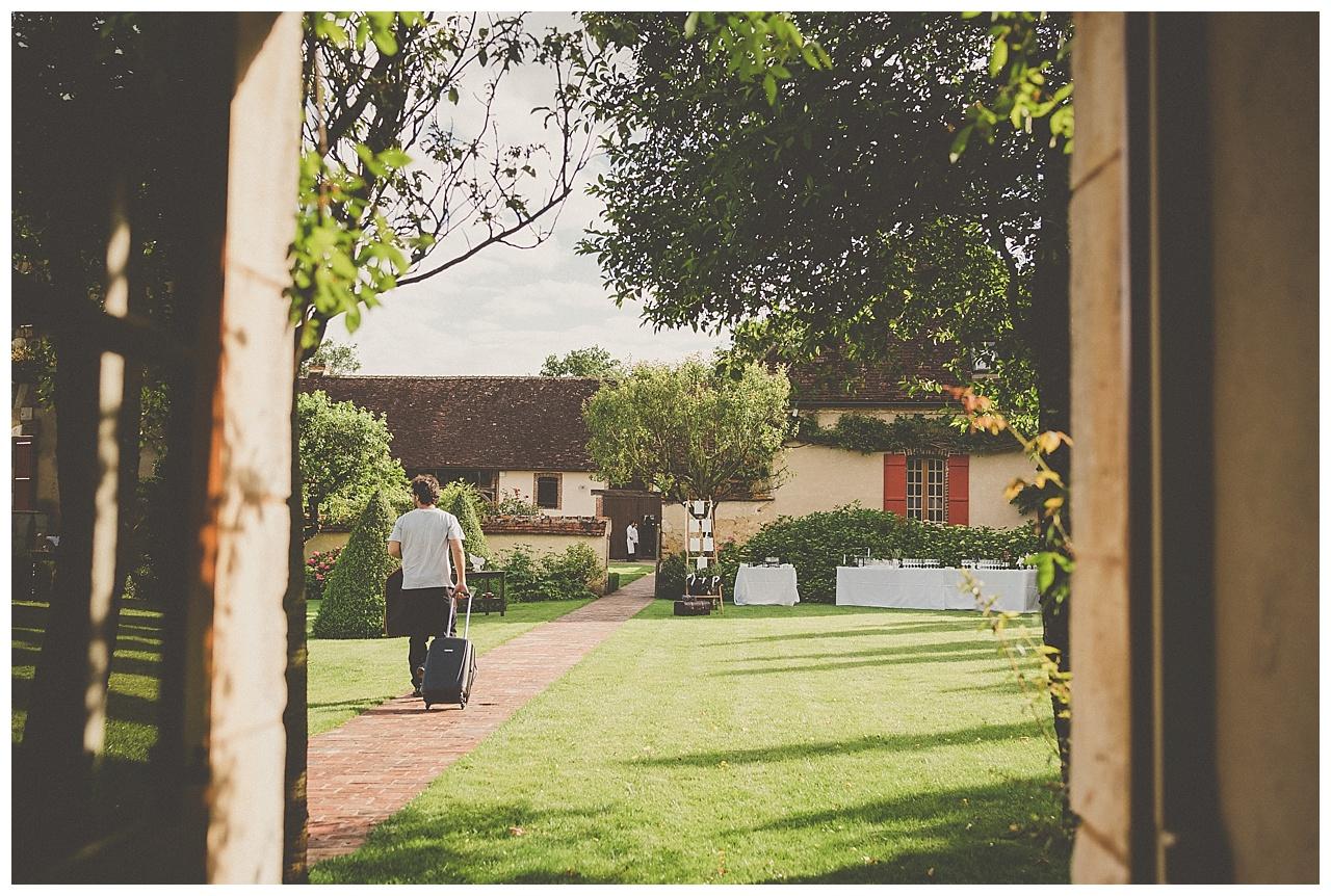 mariage-champetre-et-pastel-au-domaine-de-laborde-en-bourgogne_0035