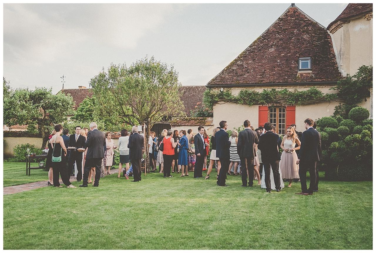 mariage-champetre-et-pastel-au-domaine-de-laborde-en-bourgogne_0077