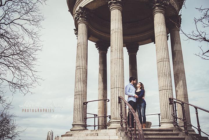 Mathilde + Michaël l Une jolie séance engagement à Paris
