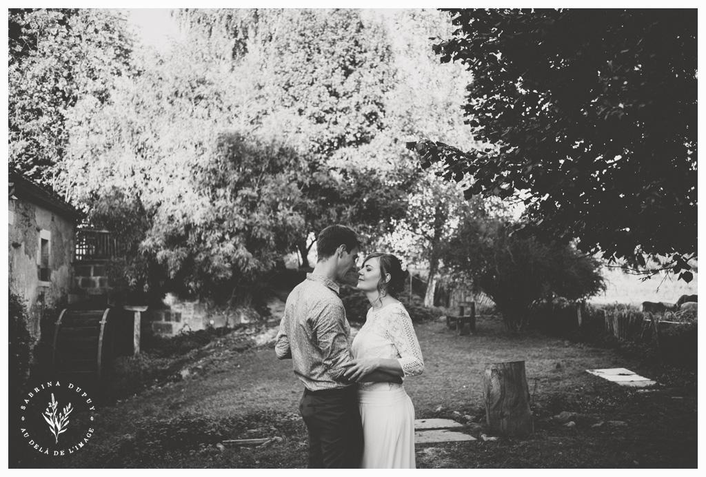 Un mariage intimiste et authentique au Moulin de Vanneau (89)